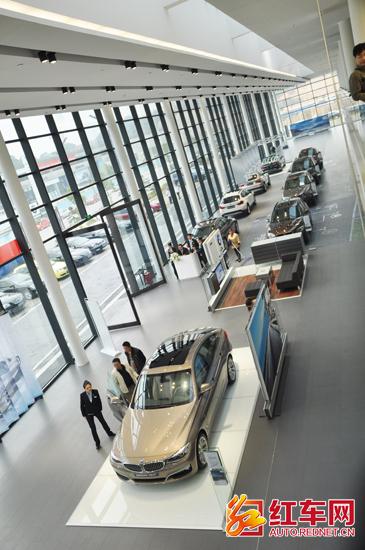 BMW长沙授权经销商长沙驰宝新车展厅