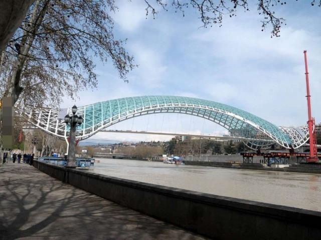 世上最美的橋你看過幾座,英國的氣球橋也著實讓我大開眼界(2)