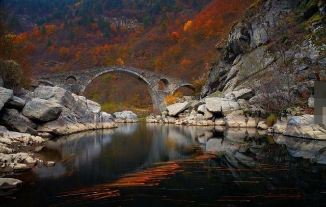 世上最美的桥你看过几座,英国的气球桥也着实让我大开眼界(5)