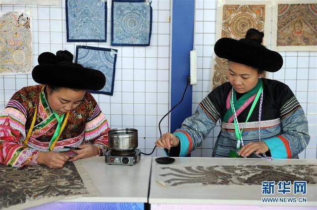 (文化)(3)贵州:民博会上赛手艺  能工巧匠展非遗