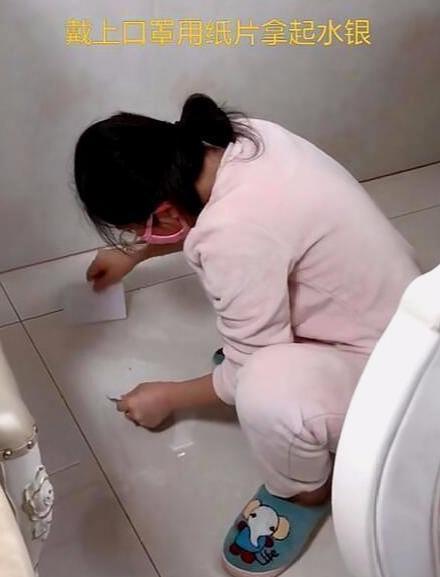 三岁女儿误吞水银,奶奶坚持吃完韭菜再去医院,医生点赞:高明